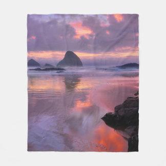Couverture Polaire Piles de plage et de mer de l'Orégon, coucher du