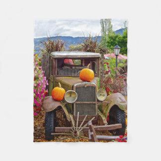 Couverture Polaire Scène vintage rouillée de citrouilles de camion