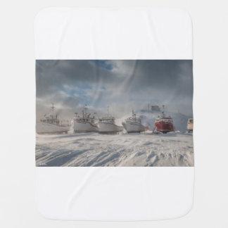 Couverture Pour Bébé bateaux de pêche dans la neige