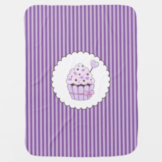 Couverture Pour Bébé Petit gâteau mignon avec l'arrière - plan rayé