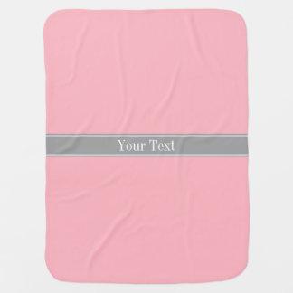 Couvertures Pour Bébé Monogramme rose et gris-foncé solide de nom de