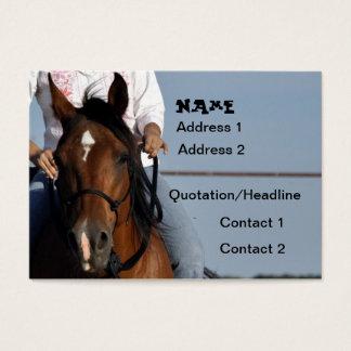 Cow-girl sur le carte de visite de cheval