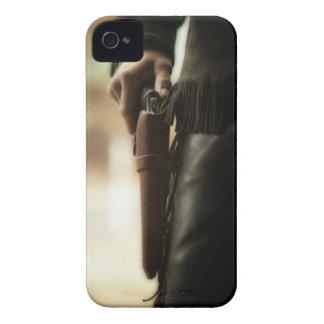 Cowboy avec l'arme à feu dans l'étui coques iPhone 4 Case-Mate