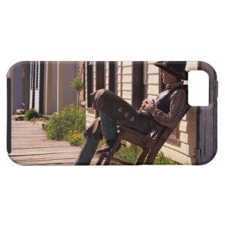 Cowboy dans la chaise sur la promenade dans Park iPhone 5 Case