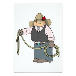 Cowboy tenant des invitations d'un lasso