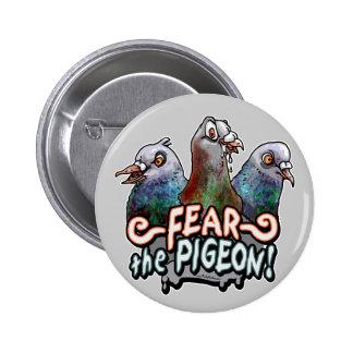 Craignez le pigeon par des studios de mudge badges