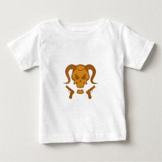 Crâne avec l'arme à feu t-shirt pour bébé