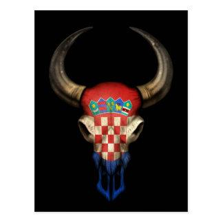 Crâne croate de Taureau de drapeau sur le noir Cartes Postales
