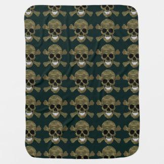 Crâne de camouflage et couverture de bébé d'os