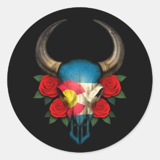 Crâne de Taureau de drapeau du Colorado avec les r Autocollant