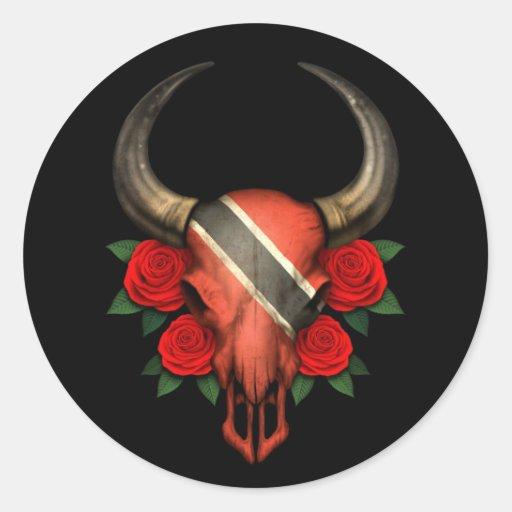 Crâne de Taureau de drapeau du Trinidad-et-Tobago Autocollant Rond
