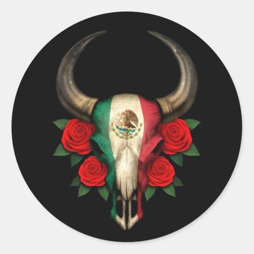 Crâne de Taureau de drapeau mexicain avec les rose Adhésifs Ronds