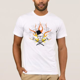 Crâne de Tiki avec la chemise de flammes T-shirt