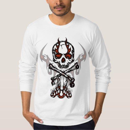 Crâne et chemise de flammes t-shirt