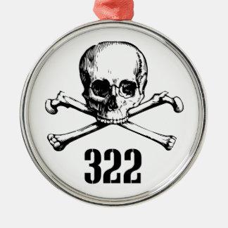 Crâne et os 322 ornement rond argenté