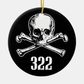 Crâne et os 322 ornement rond en céramique