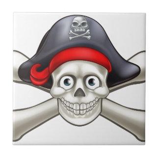 Crâne et os croisés de bande dessinée de pirate petit carreau carré