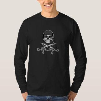 Crâne et pistolets à calfeutrer t-shirt