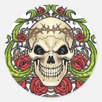 Crâne et roses avec la couronne des épines par Al Sticker Rond