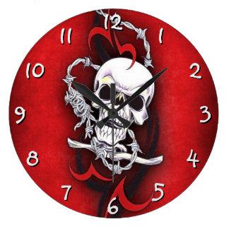 Crâne et tatouage tribal grande horloge ronde