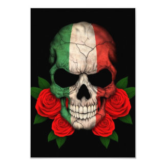 Crâne italien de drapeau avec les roses rouges carton d'invitation 8,89 cm x 12,70 cm