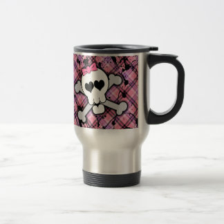 Crâne rose et os croisés avec les coeurs et l arc mugs à café