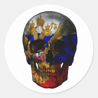 Crâne russe de drapeau sticker rond