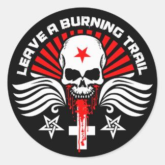 Crâne satanique et slogan de cycliste sticker rond