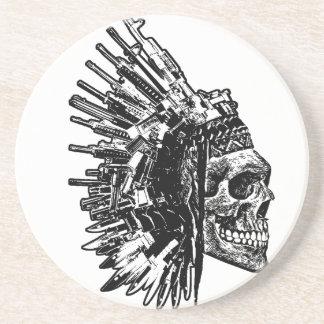 Crâne tribal, armes à feu et dessous de verre de