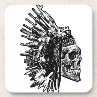Crâne tribal, armes à feu et dessous de verre de sous-bock