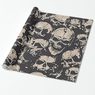 Crânes grunges dispersés papier cadeau