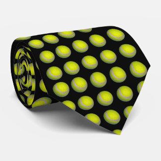 Cravate Balles de tennis jaunes sur l'arrière - plan noir,