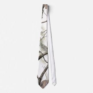 Cravate blanche de Camo d'arbre