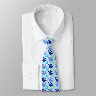 Cravate bleue folle de patte
