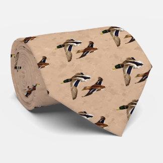 Cravate Canards sauvages pilotant Tan