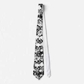 Cravate de crânes