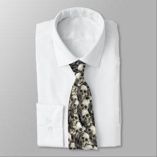 Cravate de pile de crâne
