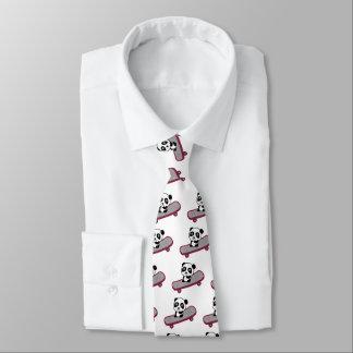 Cravate Équitation de panda sur la planche à roulettes