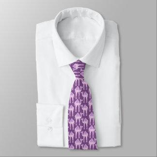 Cravate graphique pourpre de motif animal de