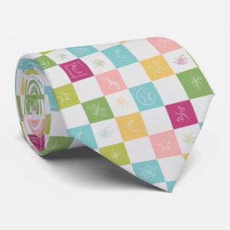 Cravate La libellule tient le premier rôle l'édredon de