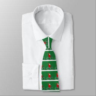 Cravate Noël faisant du vélo