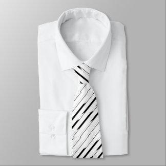 Cravate noire et blanche rayée élégante