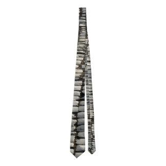Cravate pavée en cailloutis de rue