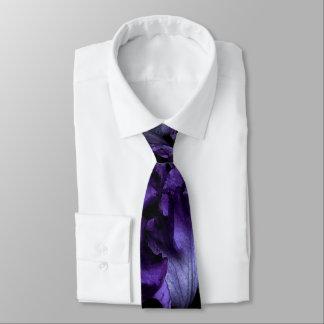 Cravate régulière d'iris pourpre