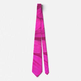 Cravate Rose audacieux