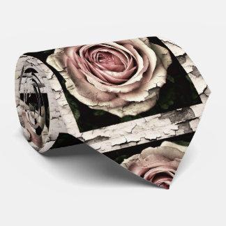 Cravate roses criqués vintages