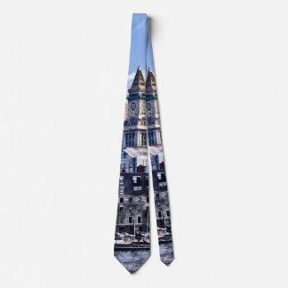 Cravates Boston mA - Horizon avec la tour de bureau de
