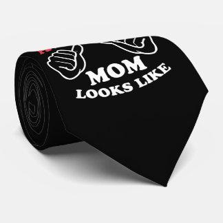 Cravates C'est à quelle maman lesbienne impressionnante