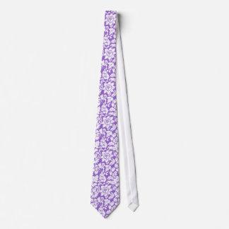 Cravates Lavande élégante et damassés florales blanches