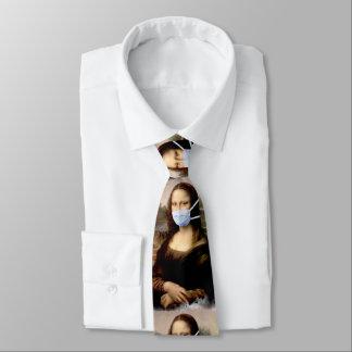 Cravates Mona Lisa avec le masque da Vinci charriant les